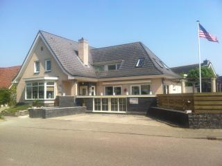 Shire Group Villa, Medemblik