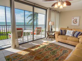 SEAS THE DAY beach front condo, Sanibel Island