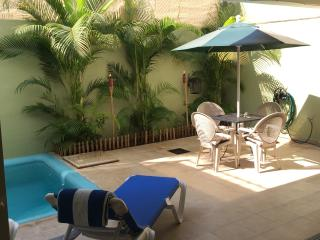 Price Reduced, Private Full Bedroom/Bath, shared HM- Casa Hana (R)