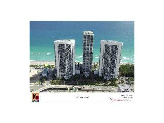Beach Club Condo 2 beds, 2 baths with Direct Ocean Views!!!, Hallandale Beach