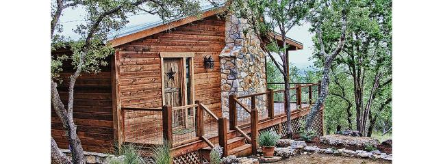 Luxury Cabins @ Stony Ridge – Emerald Cabin, Wimberley