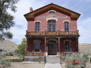 5 Bedroom3BA Minutes to Yellowstone Park/Also See listing3319032for open dates