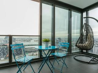Nest-Apartments SEA VIEW 2Bd 2Bth Heart CBD, Melbourne