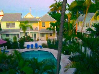 Flip Flop Retreat Key West- Downtown with a pool, Cayo Hueso (Key West)