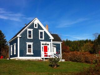 Petite Riviere Cottage near Rissers Beach