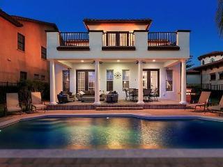 Stunning 5 bed Reunion Resort home - Games/cinema - Pool