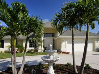 Incredible 3 bedroom Cape Coral Vacation Home with private pool, hot tub and boat dock. Boat available.