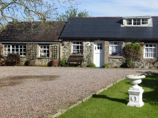 Swallow Cottage with Ample parking