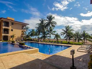 Bahia Encantada 1B 1st Floor Beach View, Jaco