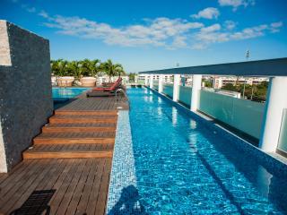 Doca 203 - 2 Bedroom & Jacuzzi ~ RA61725, Playa del Carmen
