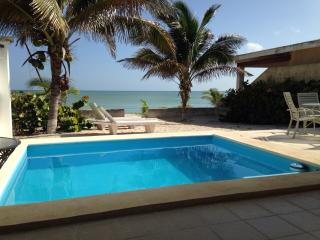 Ennas Dream Bay Fantastic Beach Home, Progreso