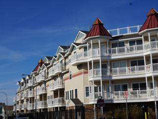 Shoreside Village, Ocean Views, Luxury 4BR/4.5BA, Seaside Heights