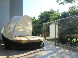 XM1 Luxury Apartment w Lake View in Resort Grounds, Akumal