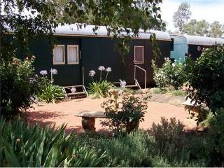 Avondale Station Bed and Breakfast - Carriage 2, Coolamon