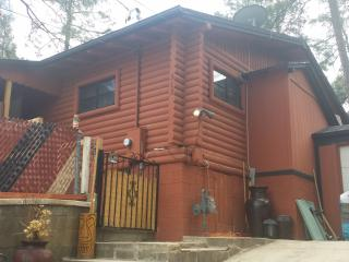 'Chateau Relaxo' (modern rustic cabin in the pines near downtown)., Prescott