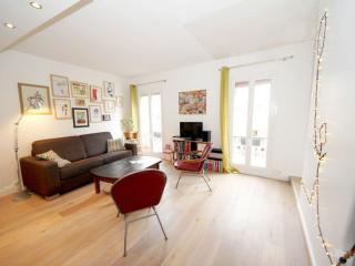 Le Family apartment in 11ème - La Bastille with WiFi.