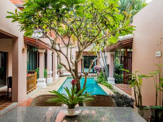10 Bedrooms villa near walking street, Pattaya