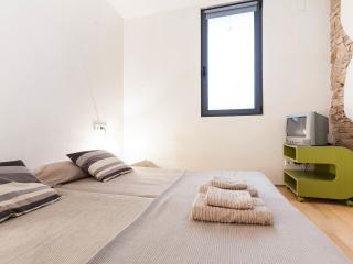 Double room private bathroom WI-FI  free charges, Barcelona