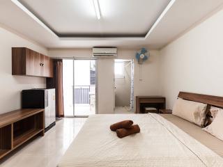 Nice comfy Studio 24, Bangkok