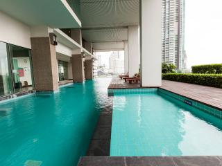 3 Bedr Penthouse Bangkok with River View WIFI