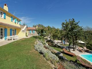 Villa San Pietro with heated pool, Trviz