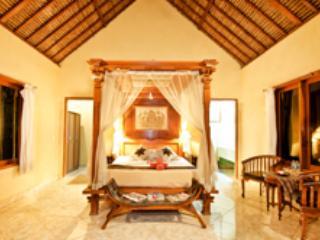 Standard room AC @Mushroom Beach Bungalows, Nusa Lembongan