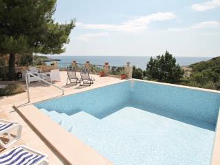 Villa in Uvala Veslo with swimming pool
