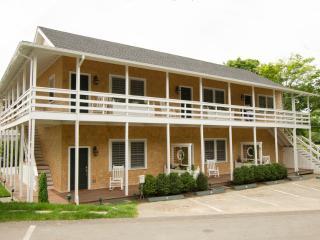 68 Winter Street, #Unit 1 Edgartown, MA, 02539