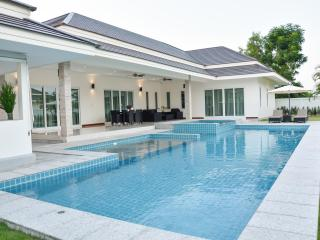 Tulip House  Private Pool Villa HuaHin-Chaam, Cha-am