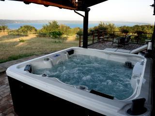 Casale sul Lago di Bolsena, piscina privata e Jacuzzi