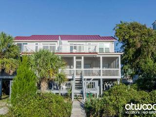 Sunset On The Sound - Comfortable Beach Front Duplex