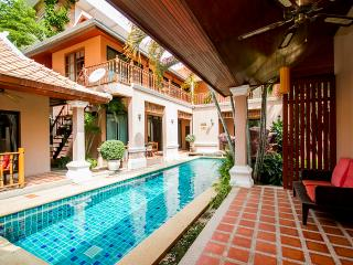 10 beds Thai villa near walking street, Jomtien Beach