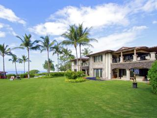 Three Bedroom Wailea Beach Villa - Oceanfront Luxury Living!