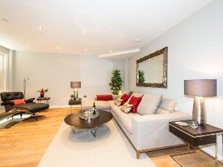 BREATHTAKING 4 Bed House Hyde Park Private Road, London