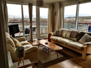 LONDON  Greenwich modern 2 bed apartment, London