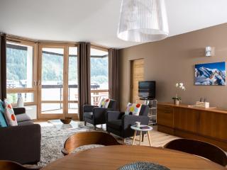 Le Beausite, newly renovated apartment sleeps 4-6, Chamonix