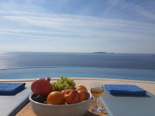 Villa Indigo -Fantastic sea views and privacy