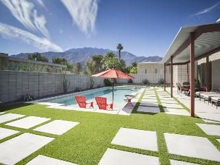 Immaculate 3BR/3BA Palm Springs House with Private Pool