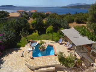 1 h from Athens in Evia house with splendid view