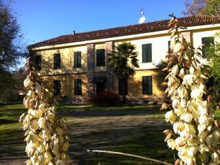 Casale tra Langhe e Monferrato