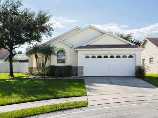 Amazing Kissimmee Pool Villa minutes from WDW
