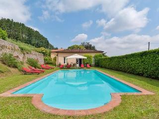 Villa Felice, Vorno