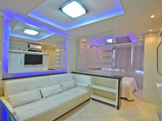 Vacation Rental Luxury Apartment in Copacabana C016