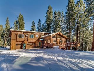 Dog-friendly home with a private game room and five-hole disc golf course!, Truckee