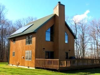 FORD HOLLOW ESCAPE - OFF GRID SOLAR RETREAT!, Allegany