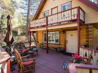 Large Front Deck with Patio Seating, Patio Heater and Views!