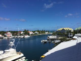 Vue imprenable sur Marina et lagon