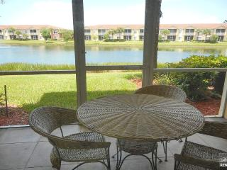 Gorgeous 1 bedroom condo with beautiful lake views in the Villagio, Estero