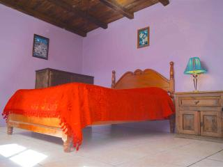 Comfy  Room With Private Bathroom & Best View, San Cristóbal de las Casas
