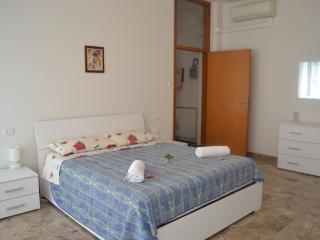 4 Star Apartments - Appartamento 2 Camere da Letto, Bolonha